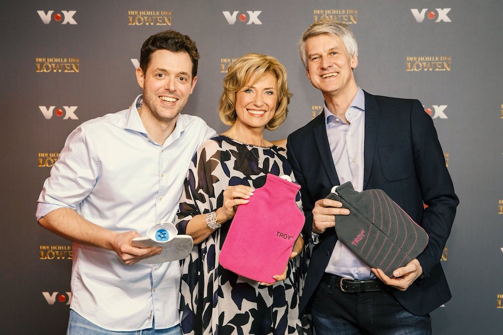 Benjamin Ohmer und Volker Junior haben einen Deal mit Dagmar Wöhrl. Sie investiert 200.000 EUR für 15 Prozent Unternehmensanteile an TROY°.